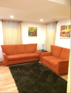 В доме Dufferin/Finch basement- apartment